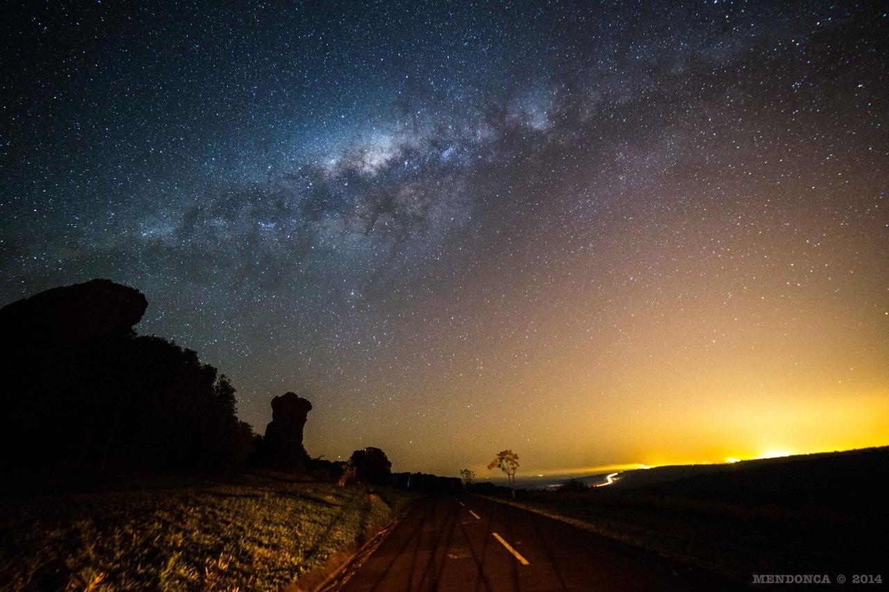 Céu estrelado estrada Parque Vila Velha